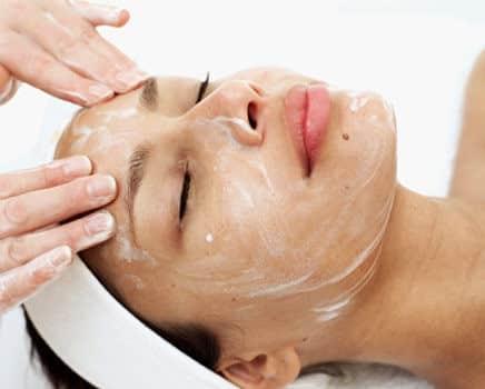 Le peeling : méthode miracle pour lutter contre le vieillissement de la peau et les rides?