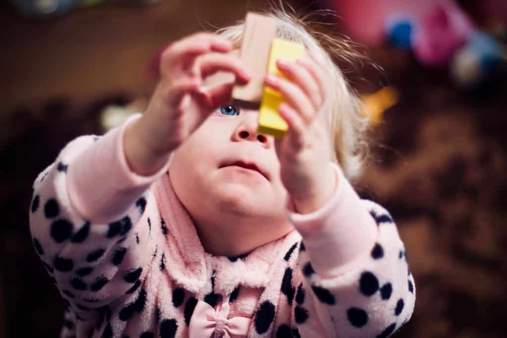 L'enfant apprend par le jeu