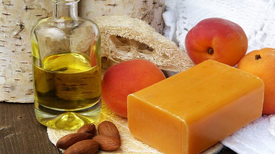Tous les bienfaits de l'huile d'abricot pour les cheveux