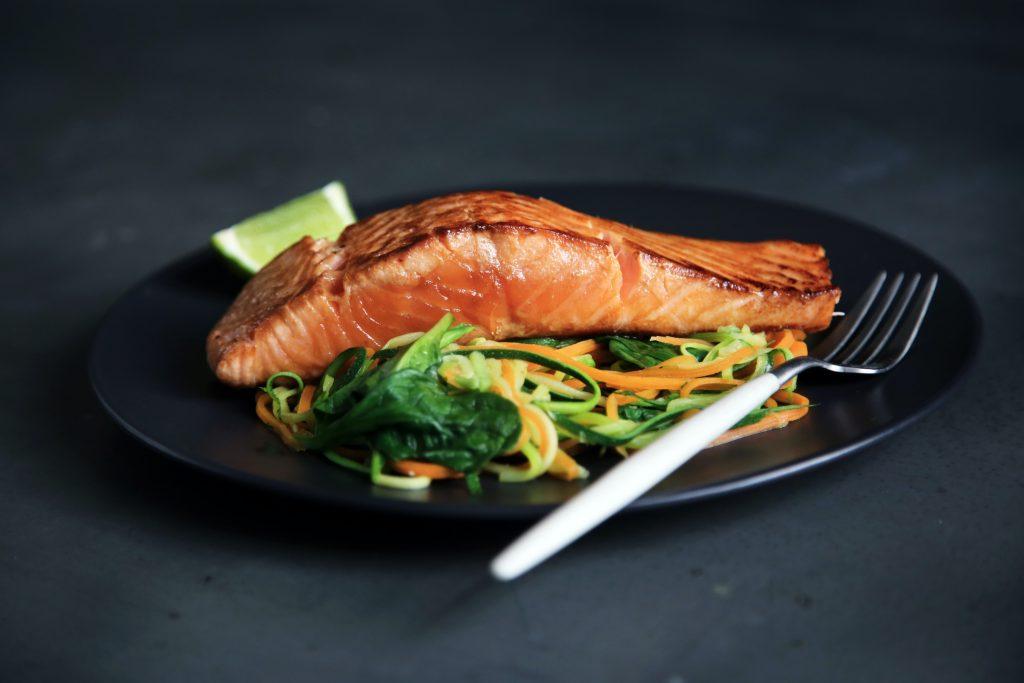 Plat de saumon riche en omega 3
